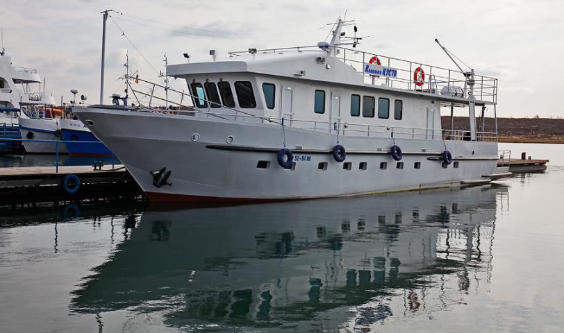 """Дайв-сафари  - это путешествие по оз. Байкал на комфортабельном судне """"Капитан Кусто"""" и погружения на лучших дайв-сайтах"""